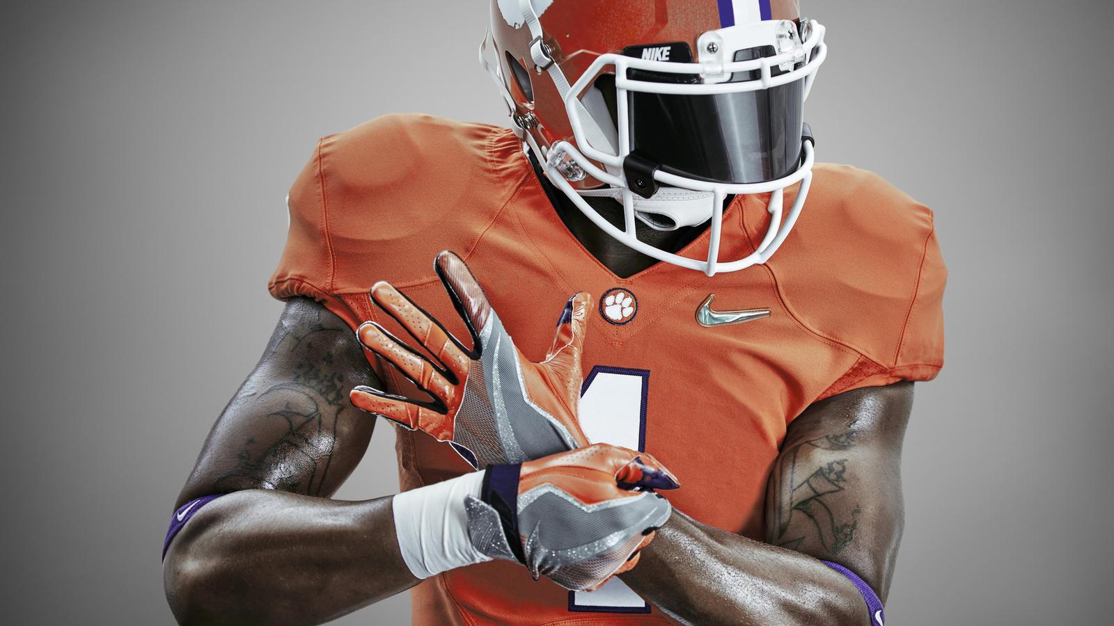 official photos f6d19 8f4dd Nike Reveals College Football Playoff Uniform Looks - Nike News