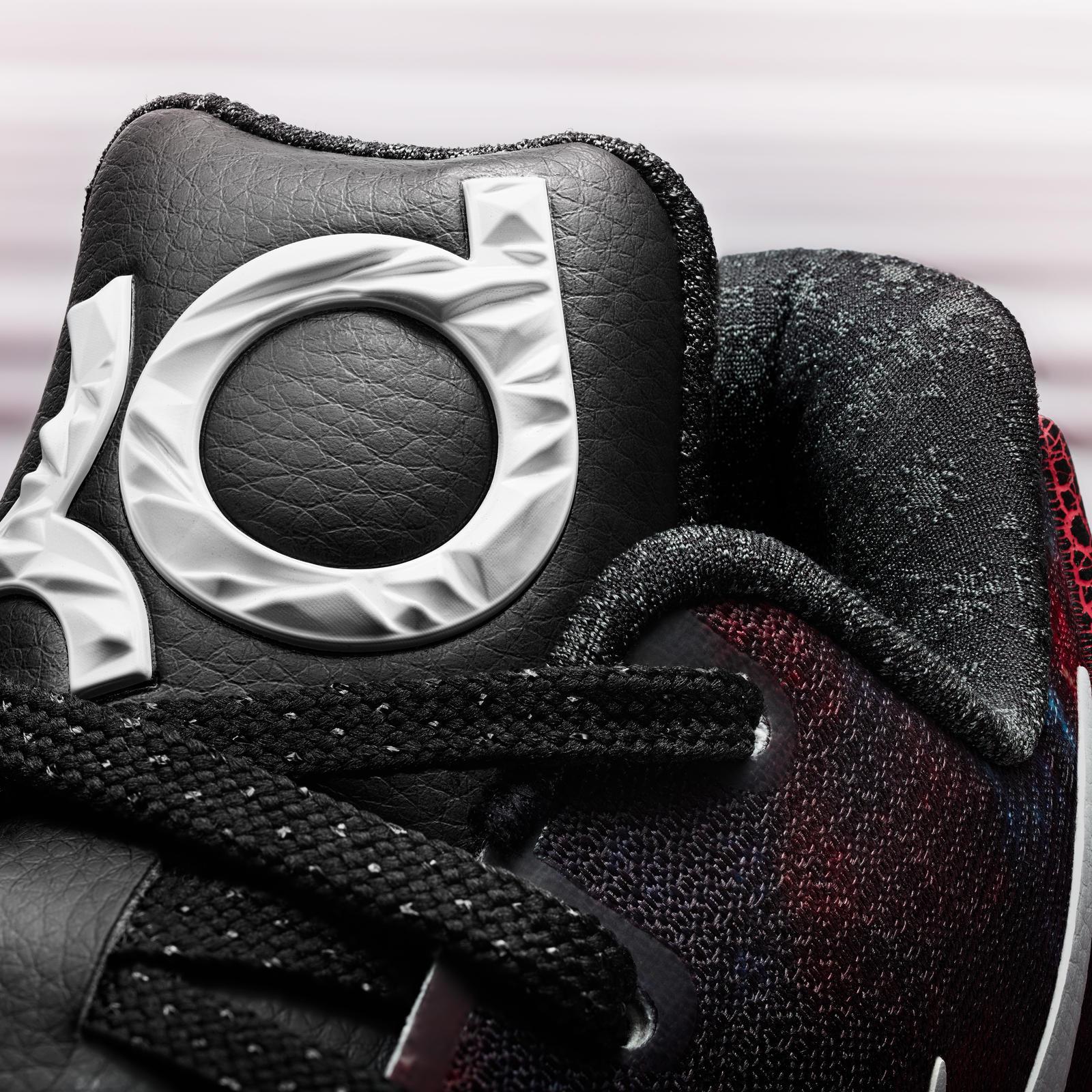 15-600_Nike_Holiday_KD_7_Detail_B-01