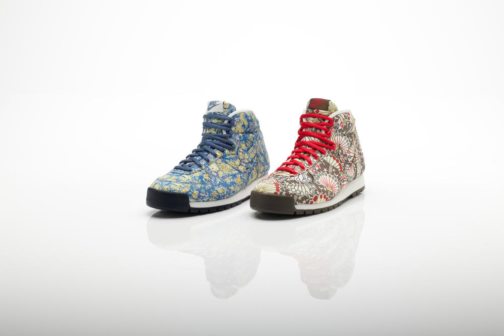 Nike Women's Air Approach Mid Liberty