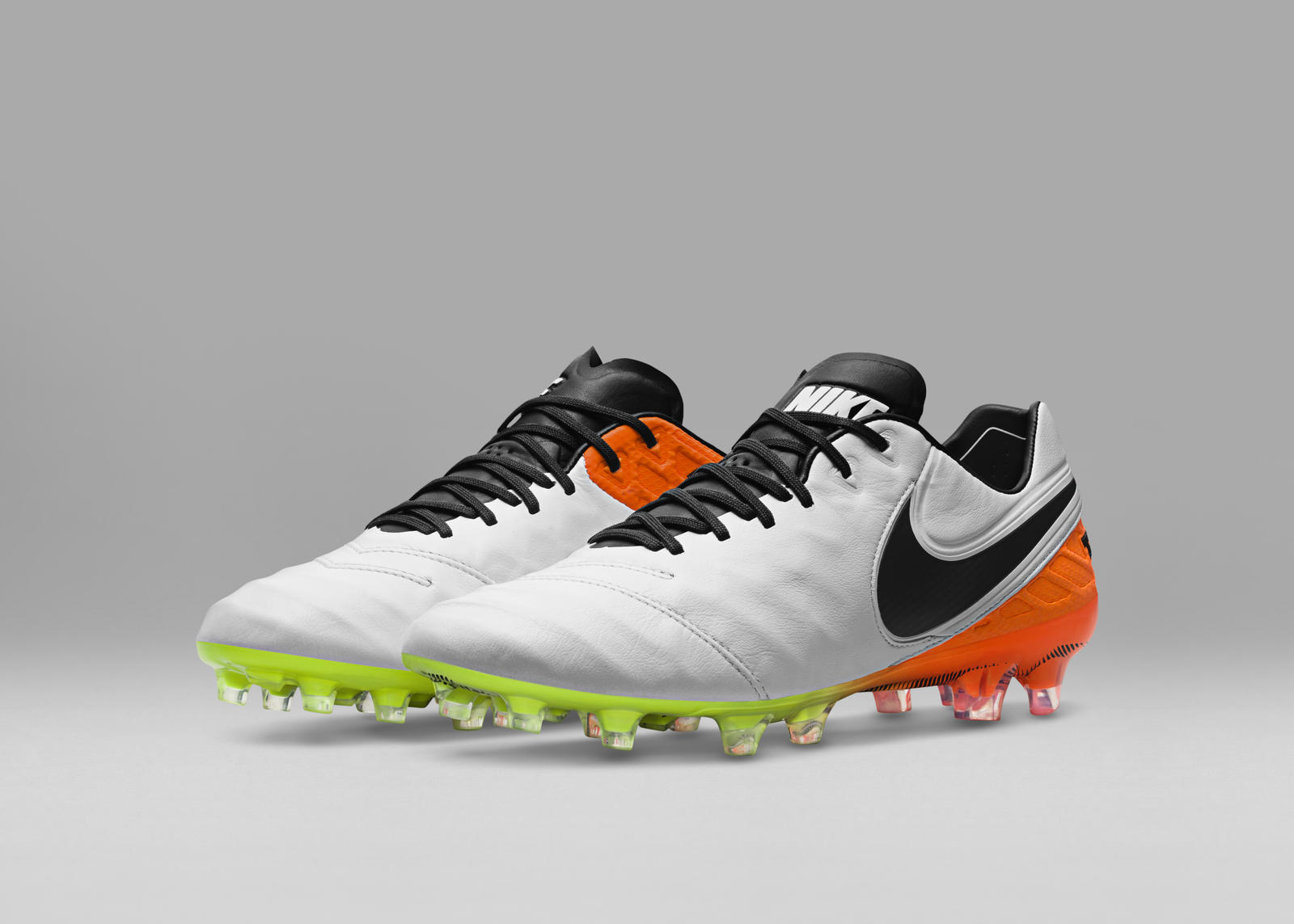 deef80500 Nike Football Men's and Women's Radiant Reveal Pack - Nike News