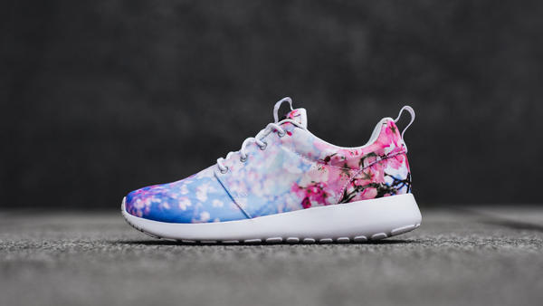 c1370b51ef89 Nike Roshe One Cherry Blossom - Nike News