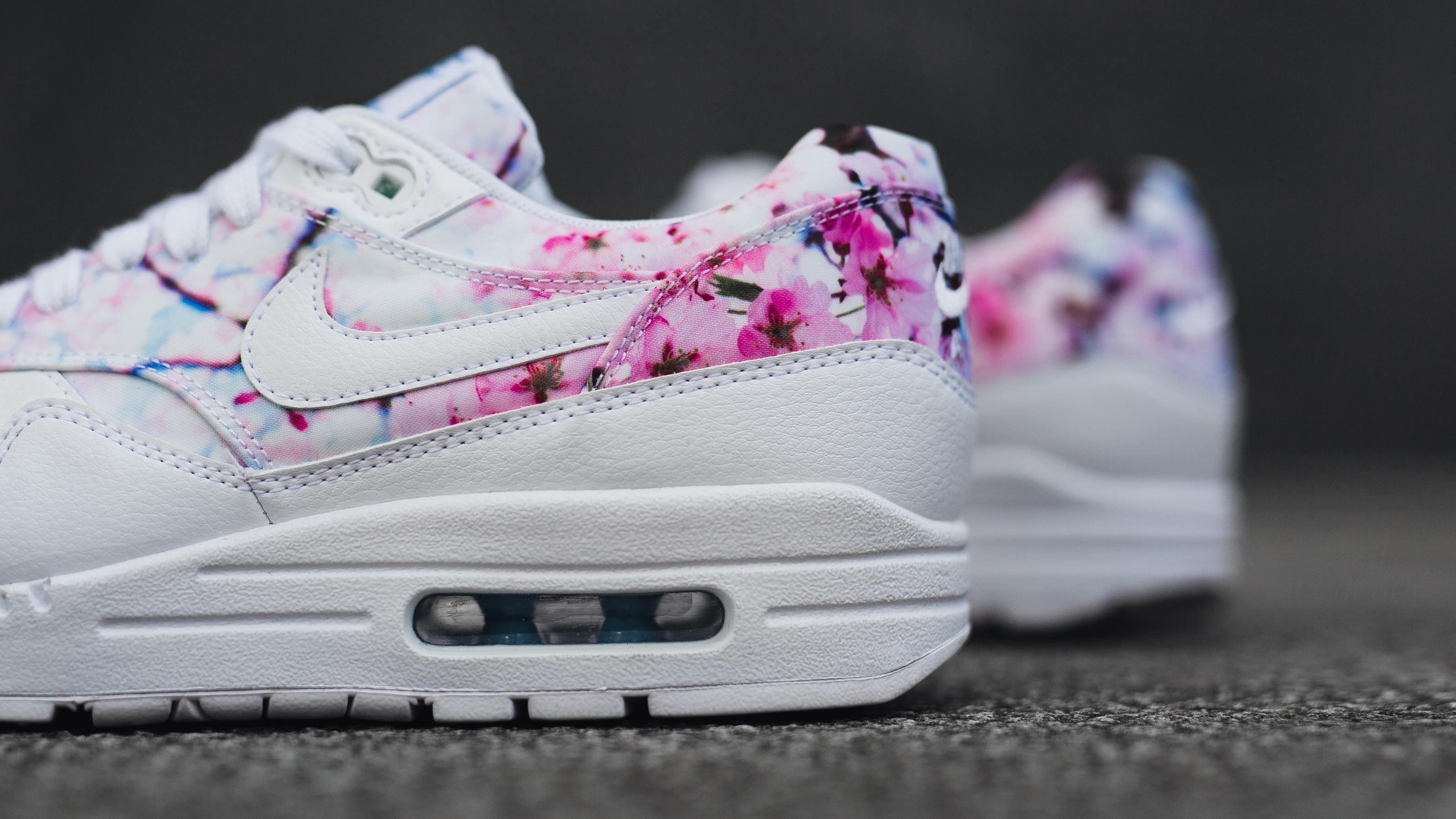 buy online b8415 4fca3 nike air max 1 cherry blossom