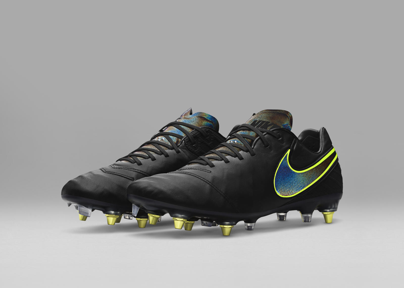 4f7d54b8c8404 Nike Hypervenom Phantom Nike Anti-Clog Traction. Tiempo Legend E