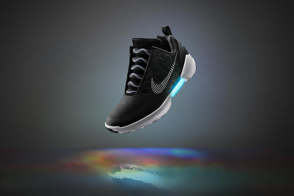 Nike Debuts Wave of Innovation With Adaptive Lacing and Nike+ App
