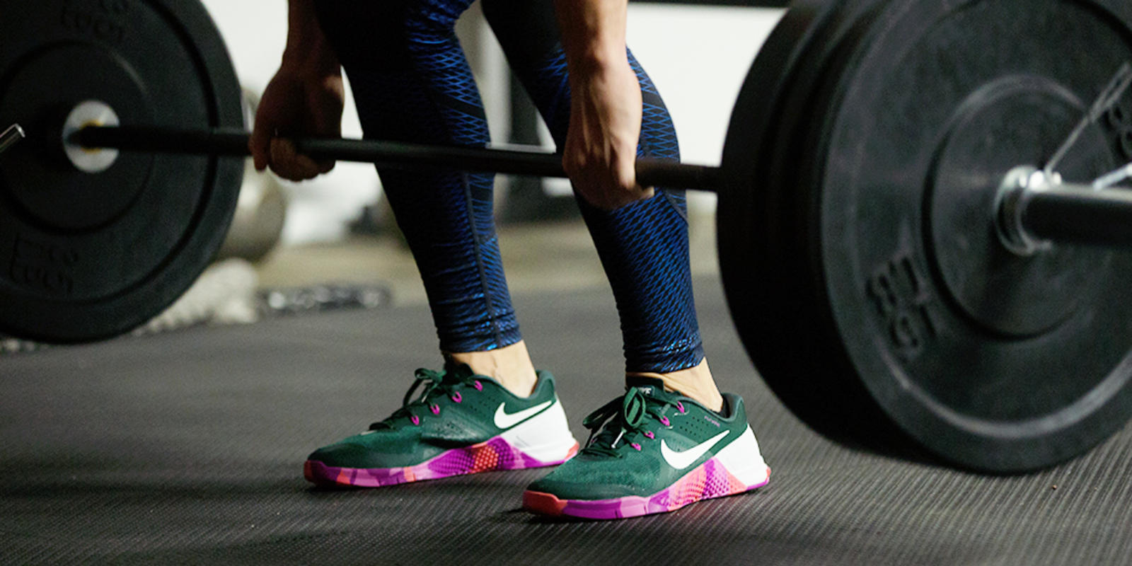 Rory-M_Shoes-close-up-deadlift_02