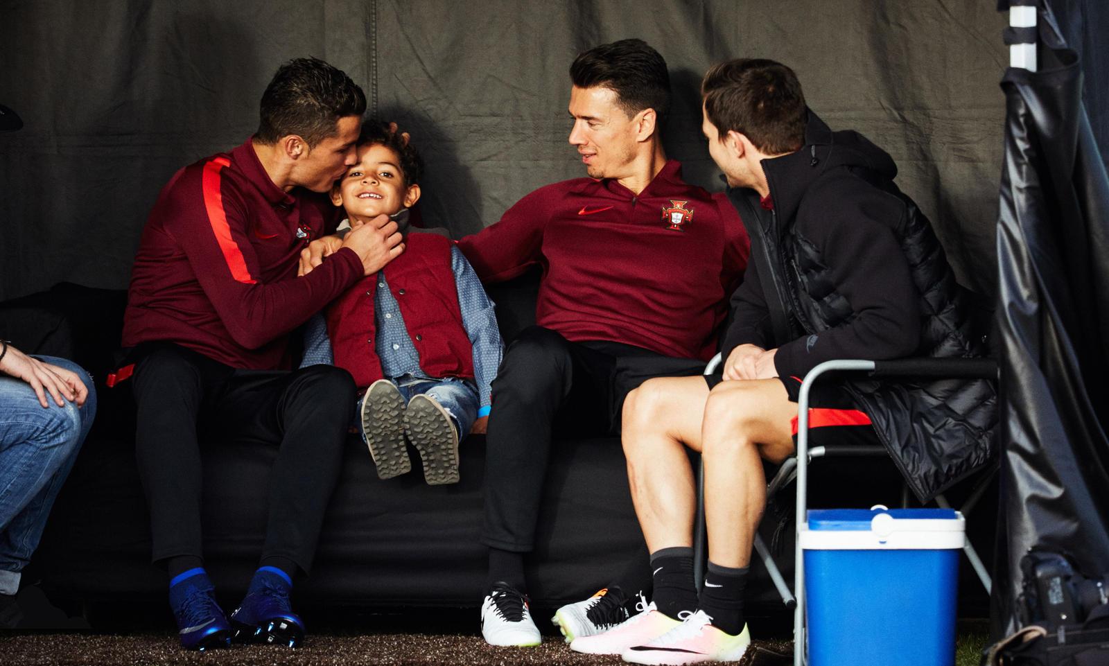 Maravilla Verdulero Con otras bandas  Nike Football presents