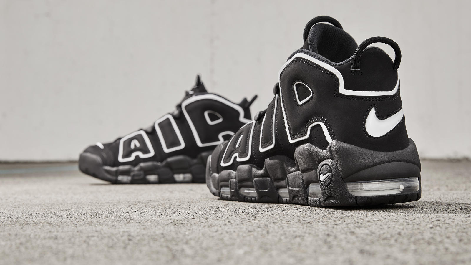 Nike air more uptempo 2 hd 1600