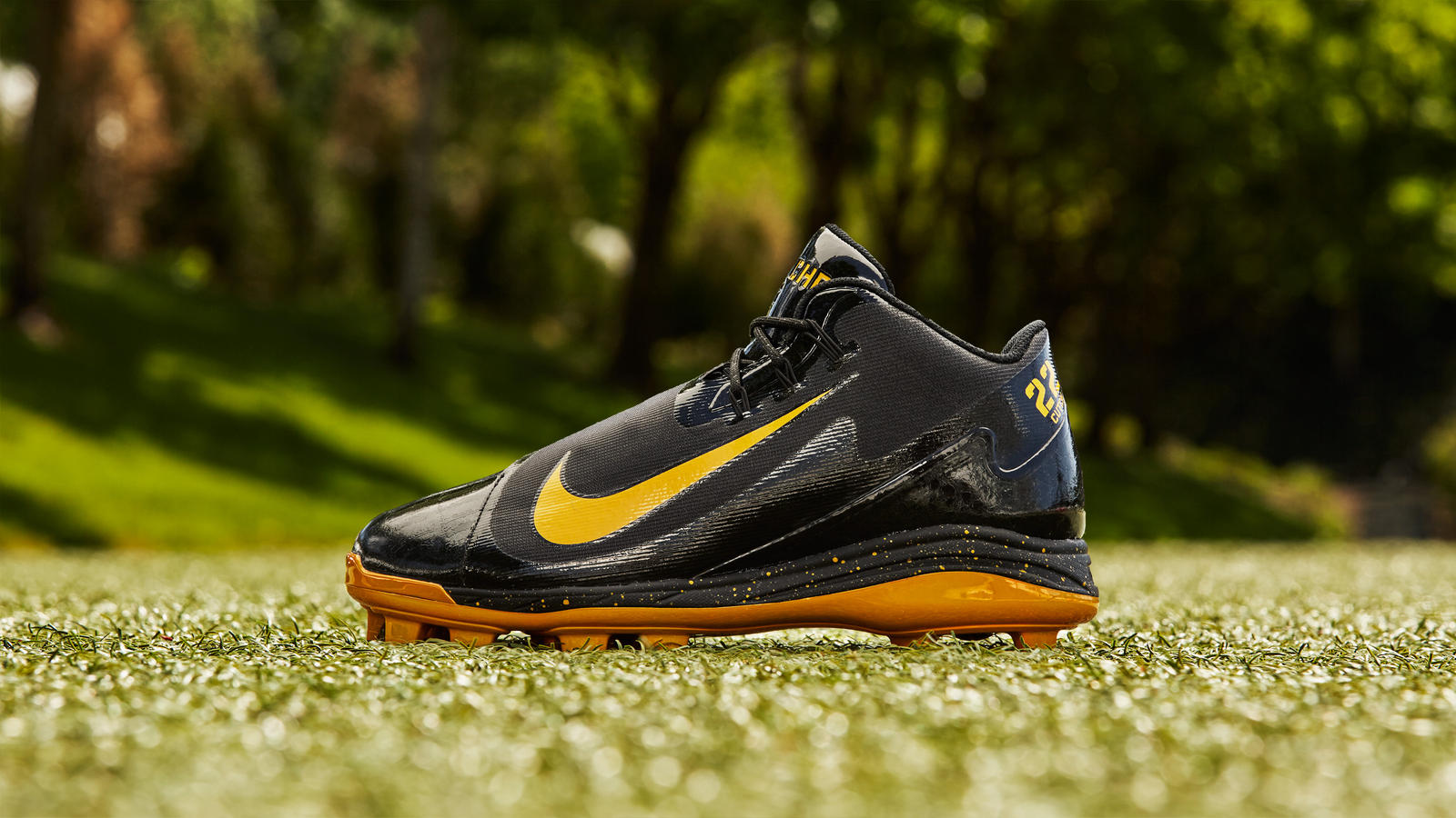 Andrew McCutchen's Nike Air Swingman Legend PE