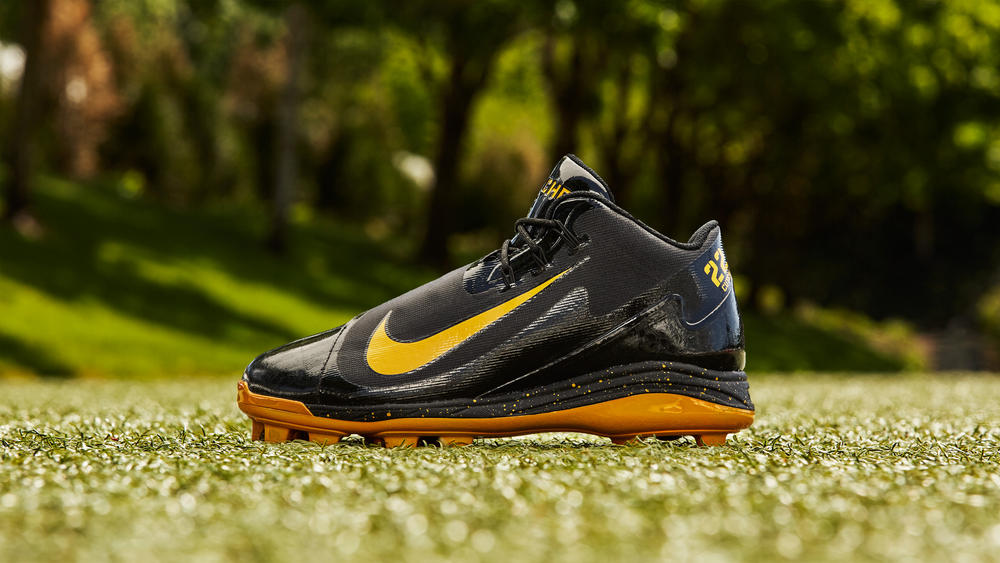a71607bdd05c Andrew McCutchen's Nike Air Swingman Legend PE