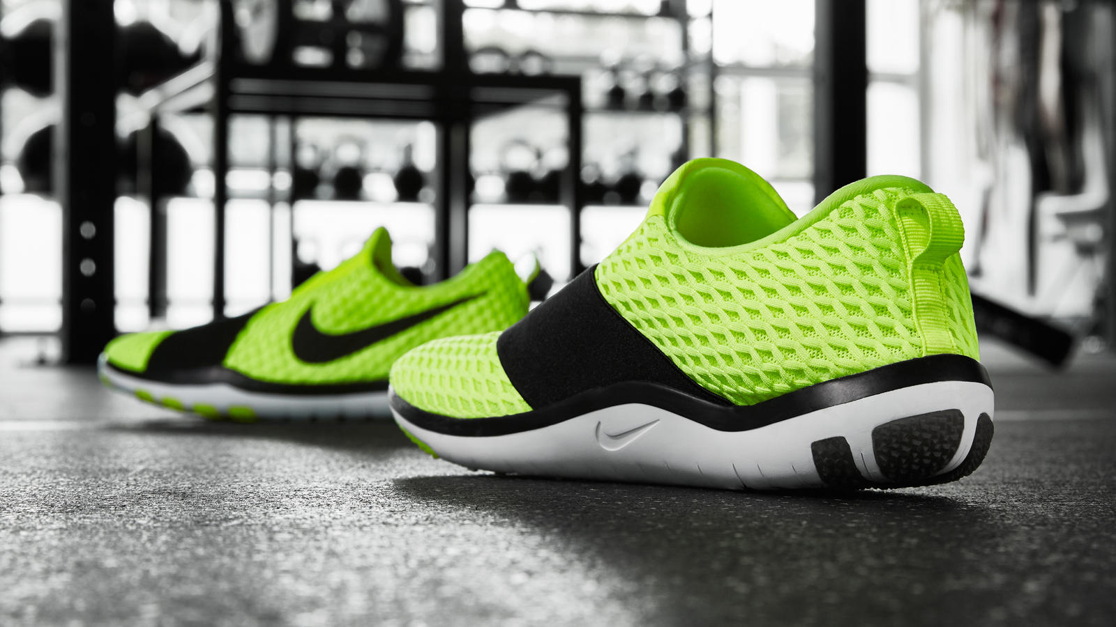 Nike news sneaker feed volt wms training 3q 1610 hd 1600