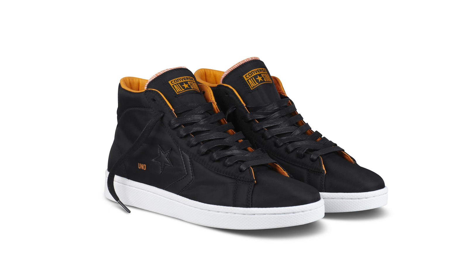 Religioso Cuaderno Marcha atrás  Converse and Undefeated launch collection to be sold at Foot Locker - Nike  News
