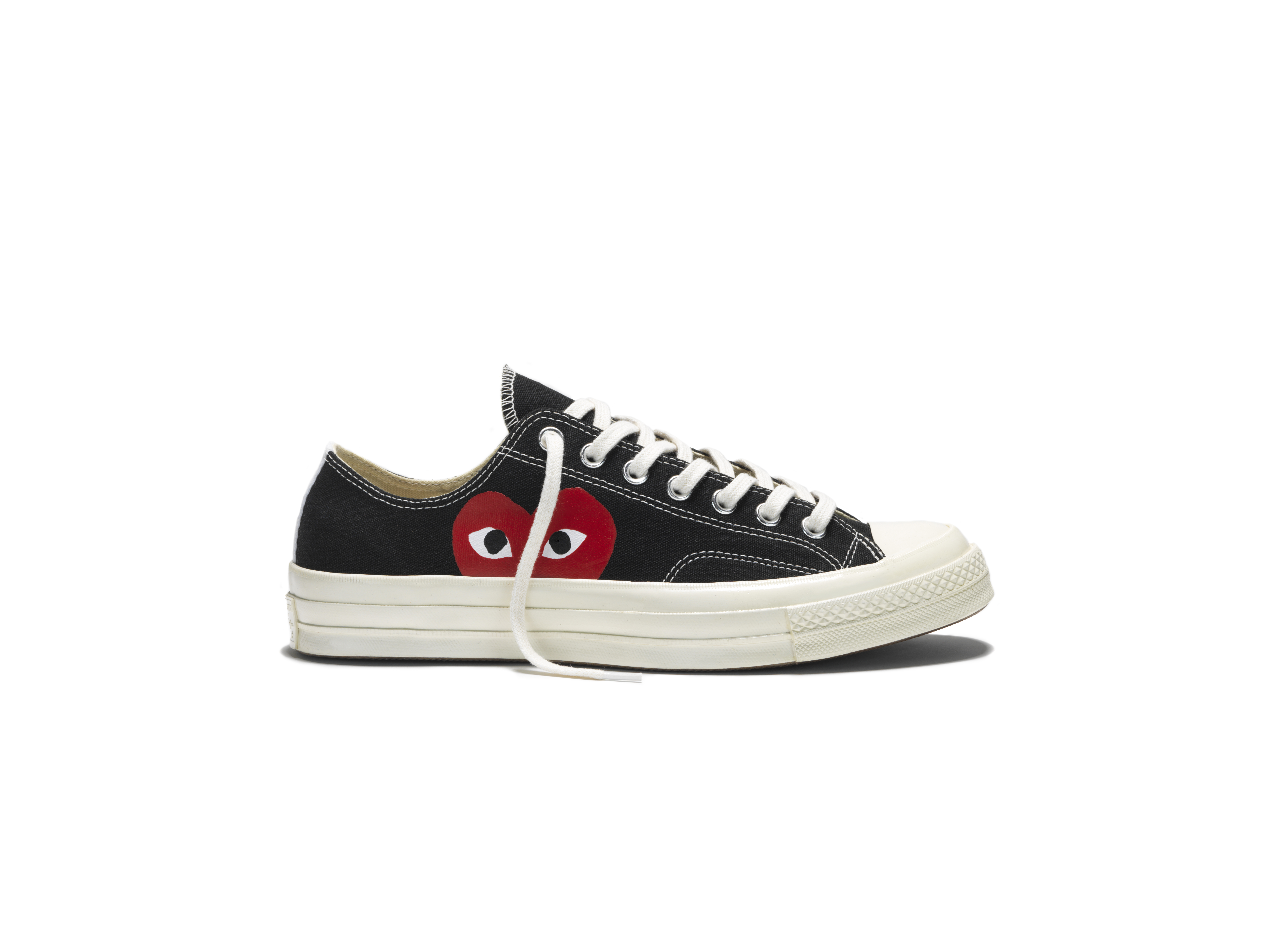 white converse with red heart - sochim.com