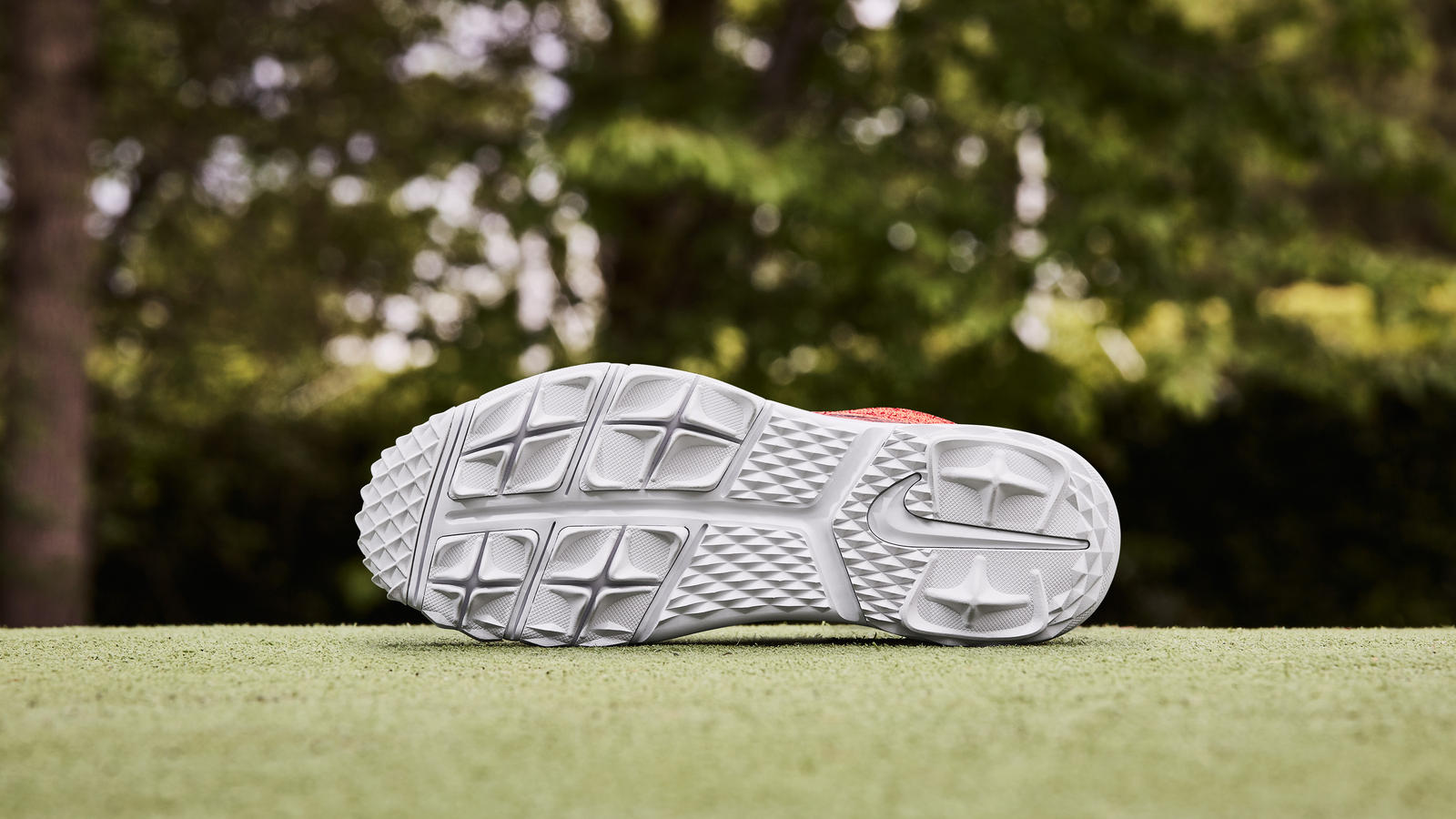 Nike news sneaker feed red flyknit golf 0392 s v1 hd 1600