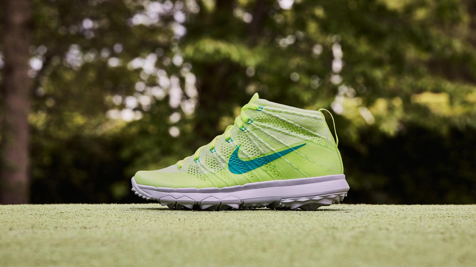 Nike Flyknit Chukka