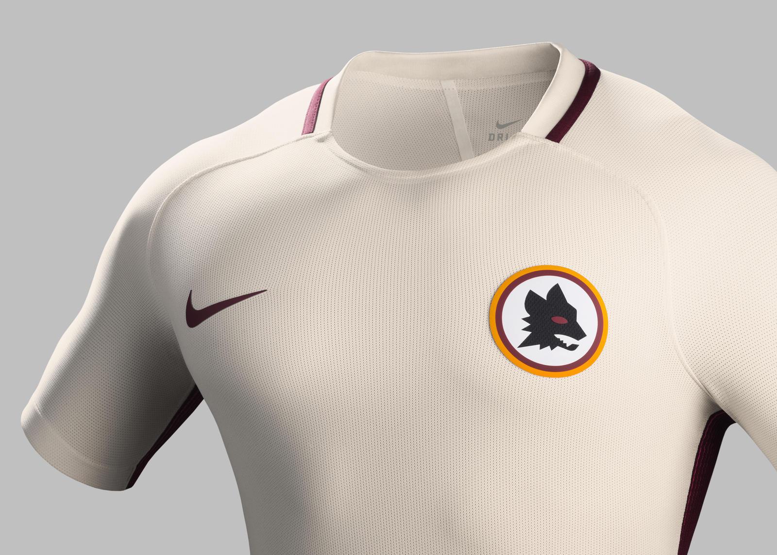 Su16_CK_Comms_A_Crest_Match_AS Roma_R