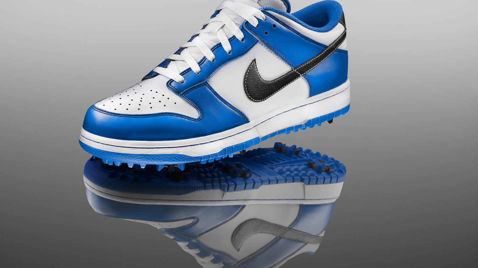 official photos 1da6d c234d Nike Golf Pays Tribute to the Iconic Nike Dunk Shoe - Nike News