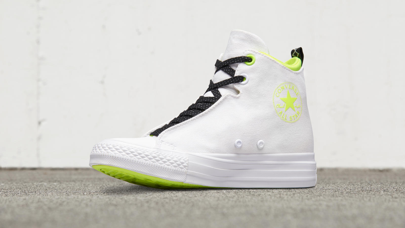 CONVERSE CHUCK TAYLOR ALL STAR SELENE SHIELD MID TOP WEDGE