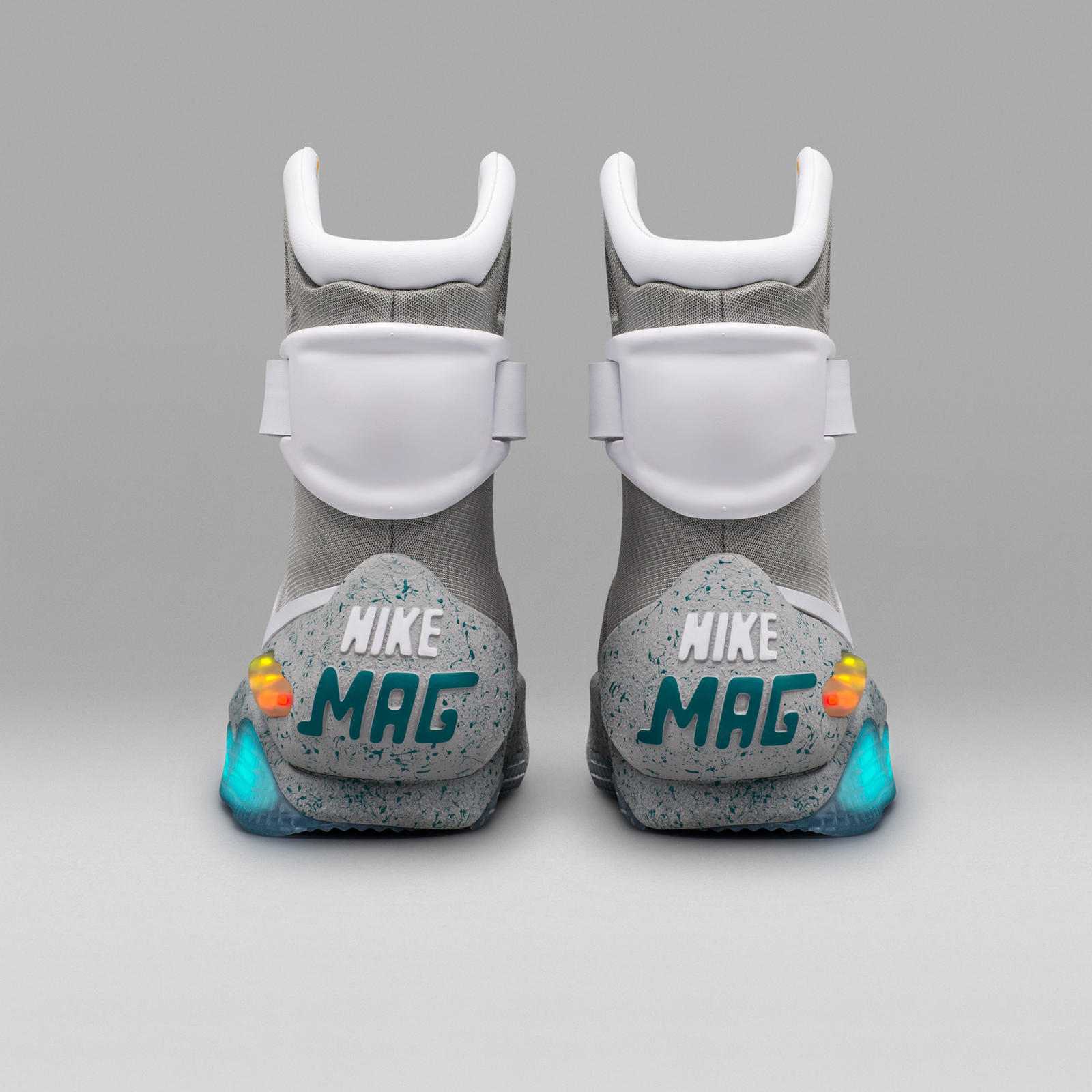 how to get the 2016 nike mag nike news. Black Bedroom Furniture Sets. Home Design Ideas