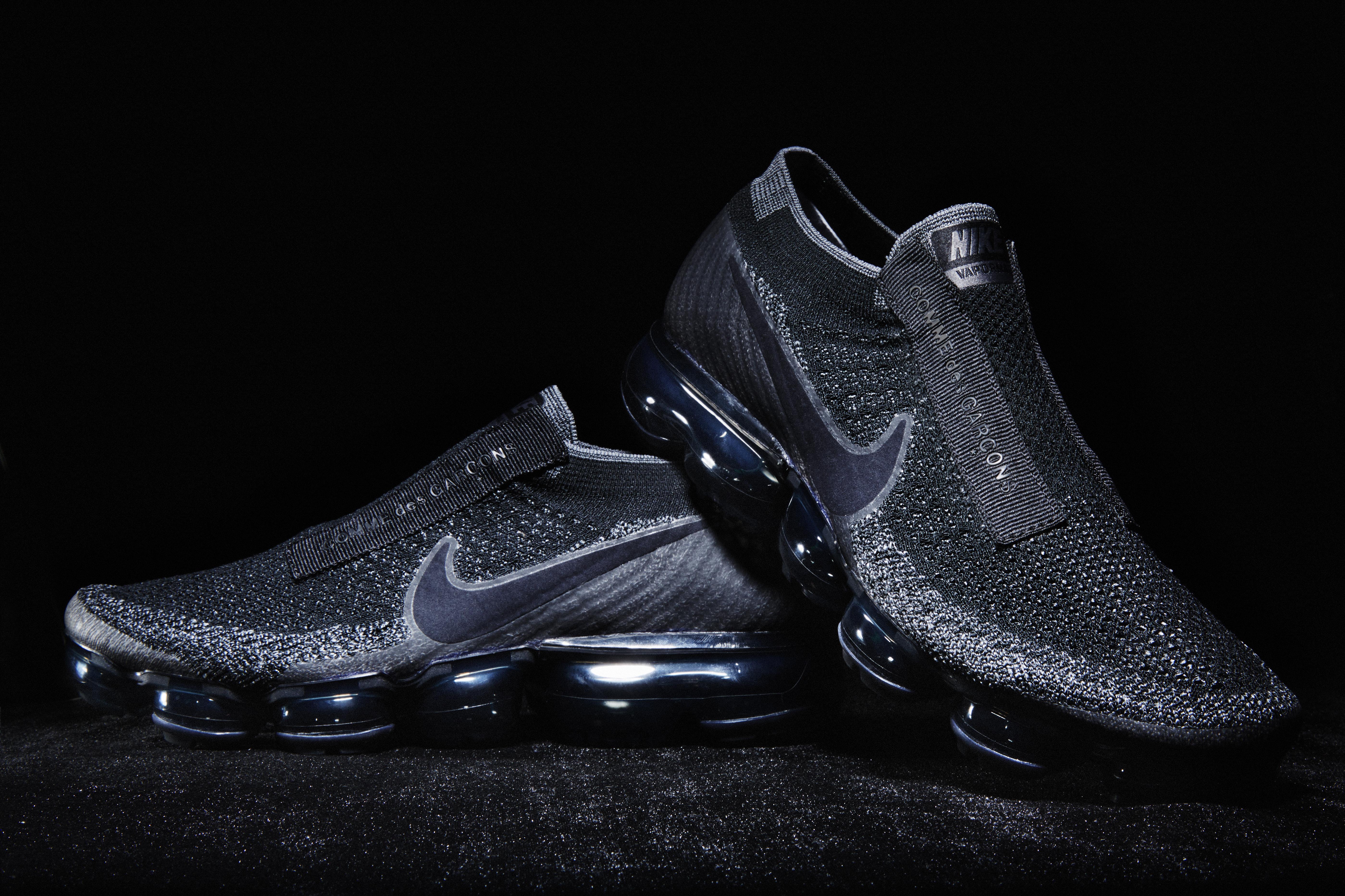 Nike Air Vapormax Laceless Triple Black