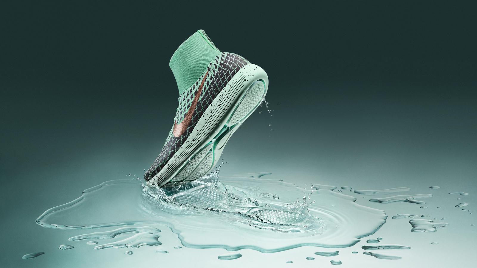 Weather Nike LunarEpic Flyknit Shield