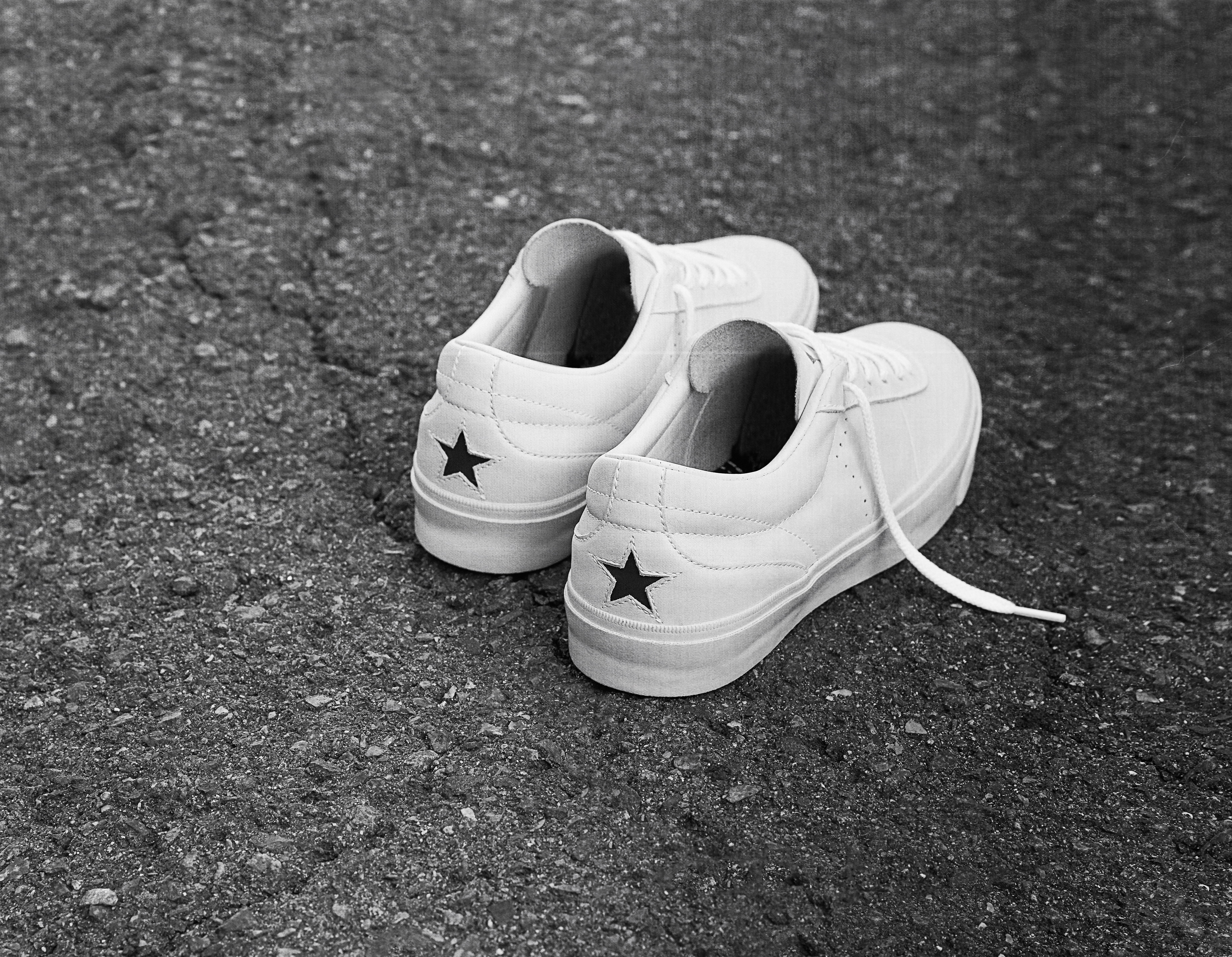 converse one star gold
