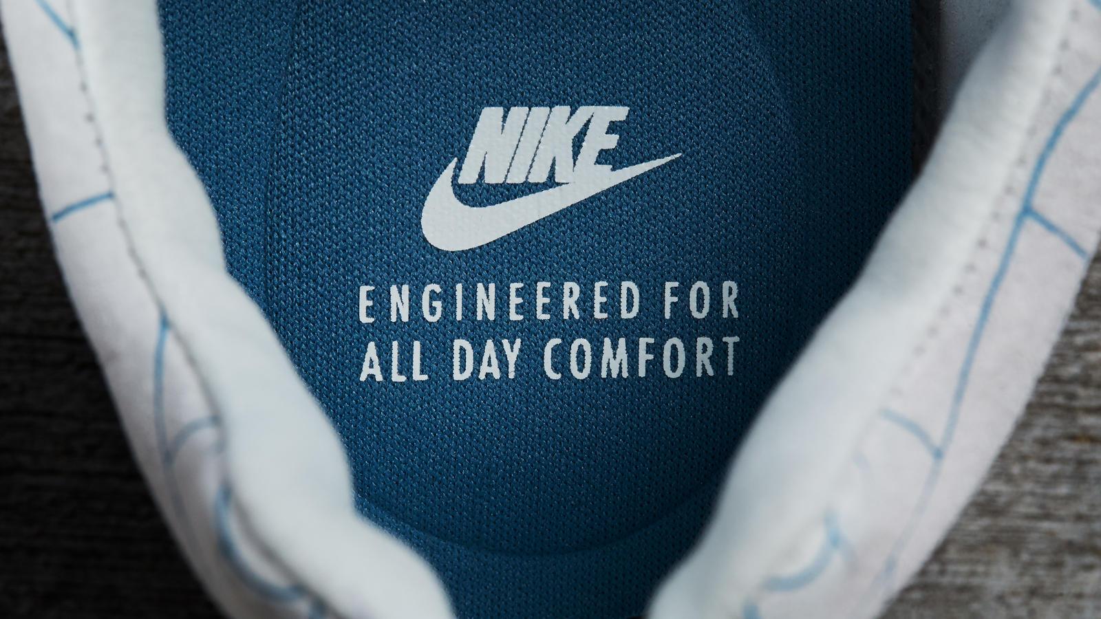 Nike Mayfly Premium