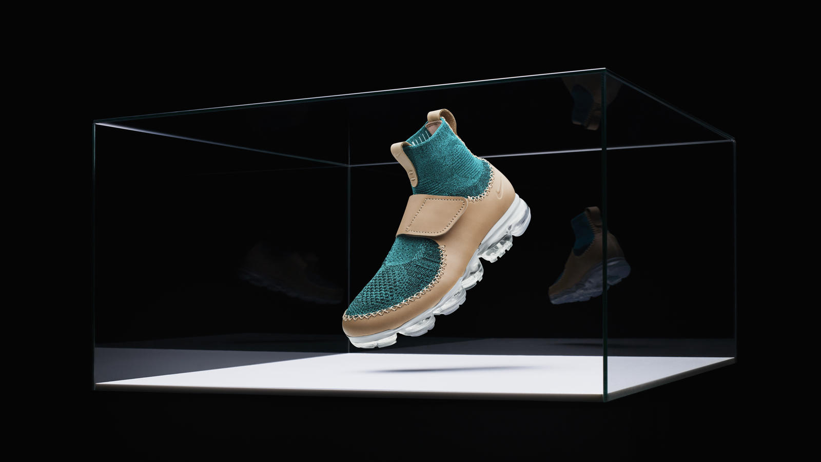NIKELAB Partners With VISION AIRS To Celebrate Nike Air and
