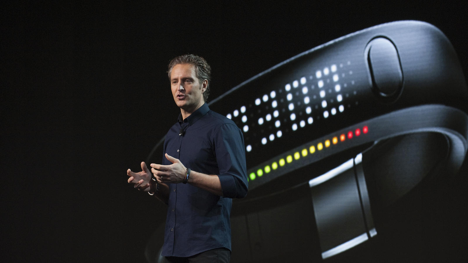 nike_fuelband_launch_SOlander01