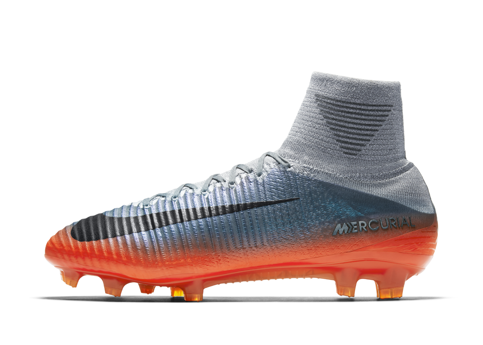 Cristiano Ronaldo s New Boots Recall His Shift to Number 7 - Nike News 873c23175