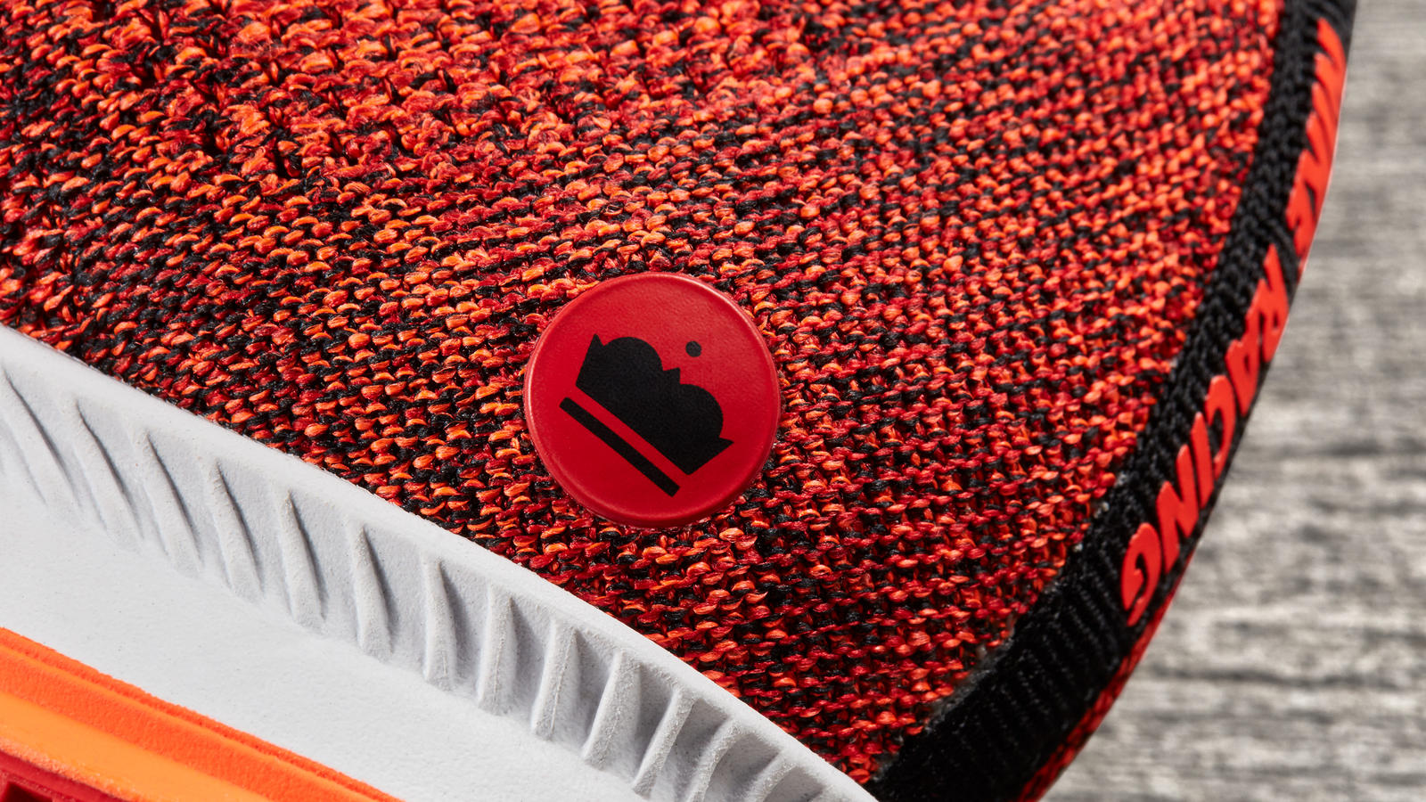 170320 footwear rn red flyknit streak 0334 hd 1600