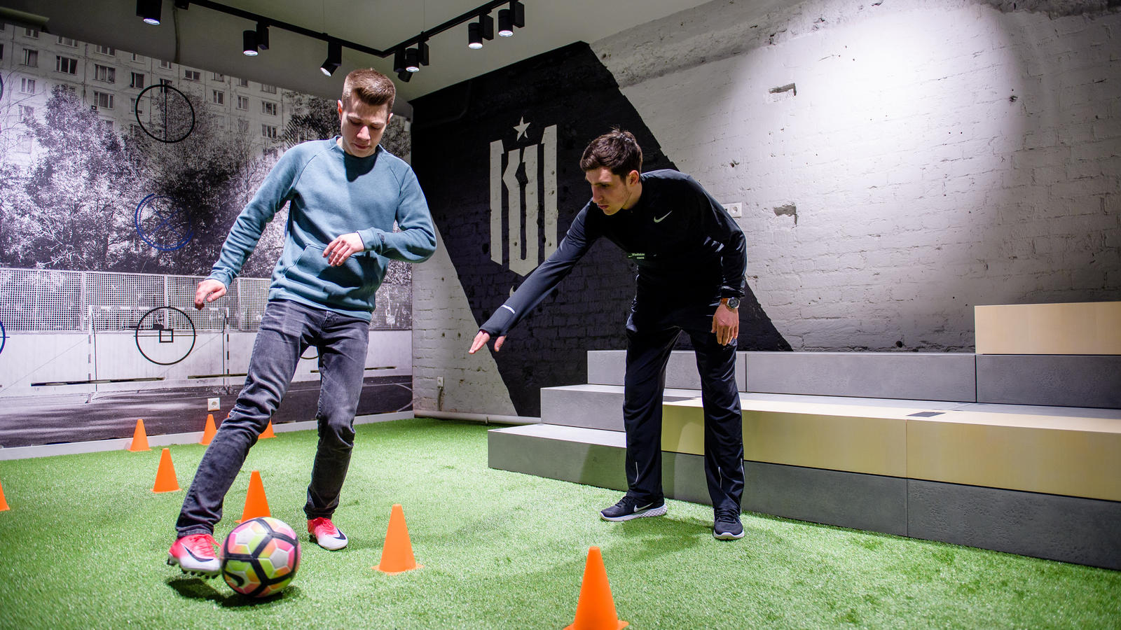 online store 5bf49 d7a92 First Look  Inside Nike Moscow 2. Nike+ Football Trial Zone  ...