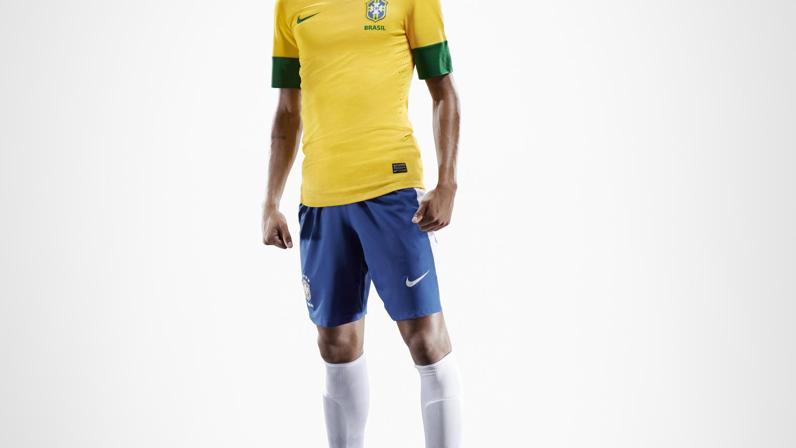 EC12_brazilian_uniform_Neymar