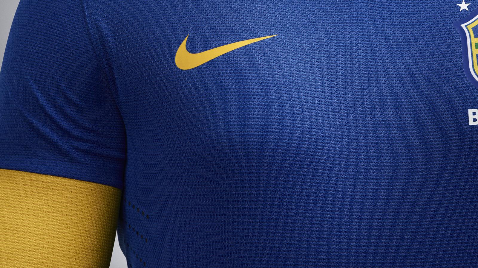 EC12_Brasil_Uniform_away_01
