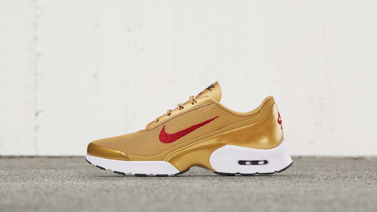 b3d6fa5177 Nike Air Max Jewell - Nike News
