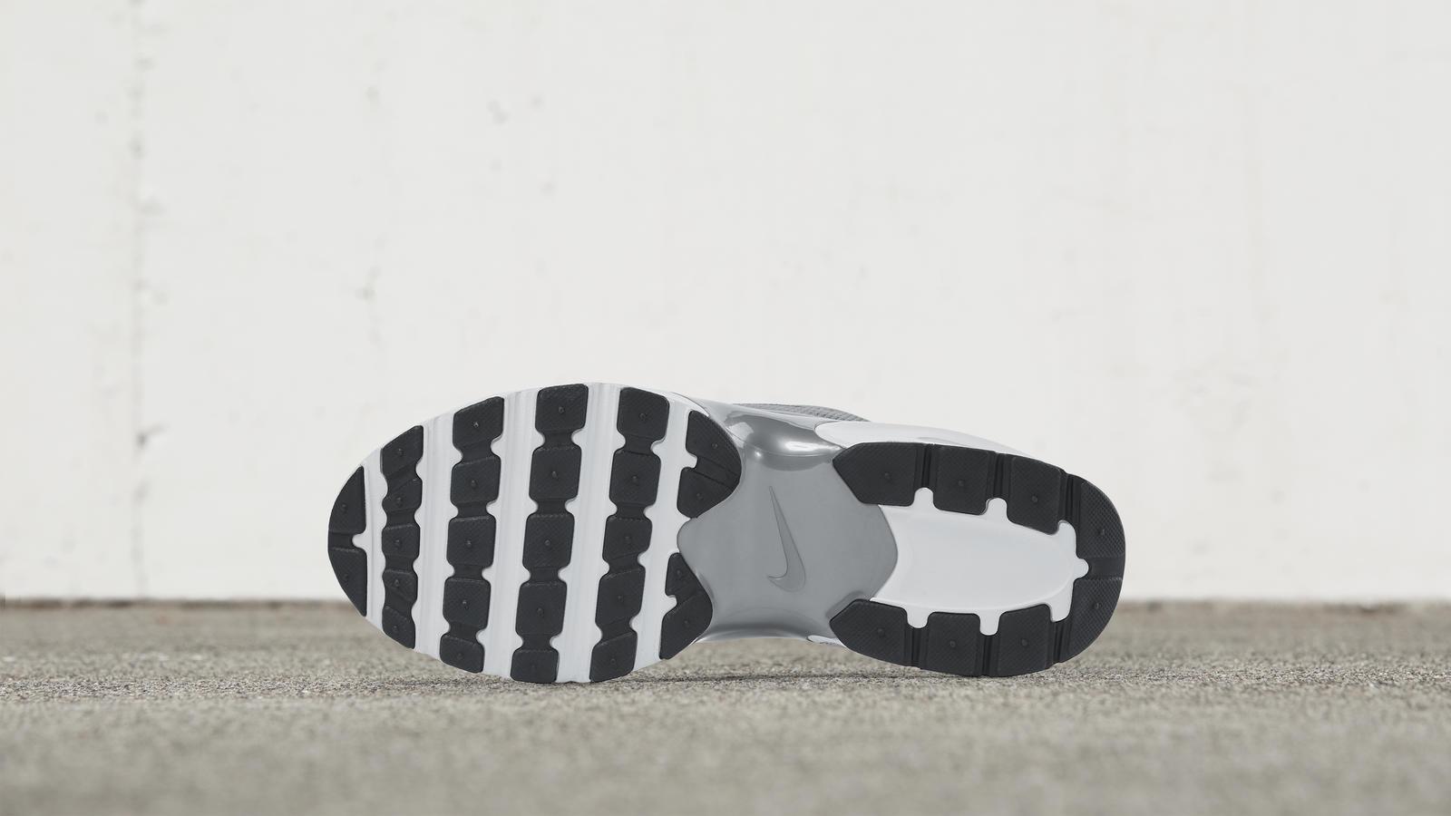 Nike Air Max Jewell 1
