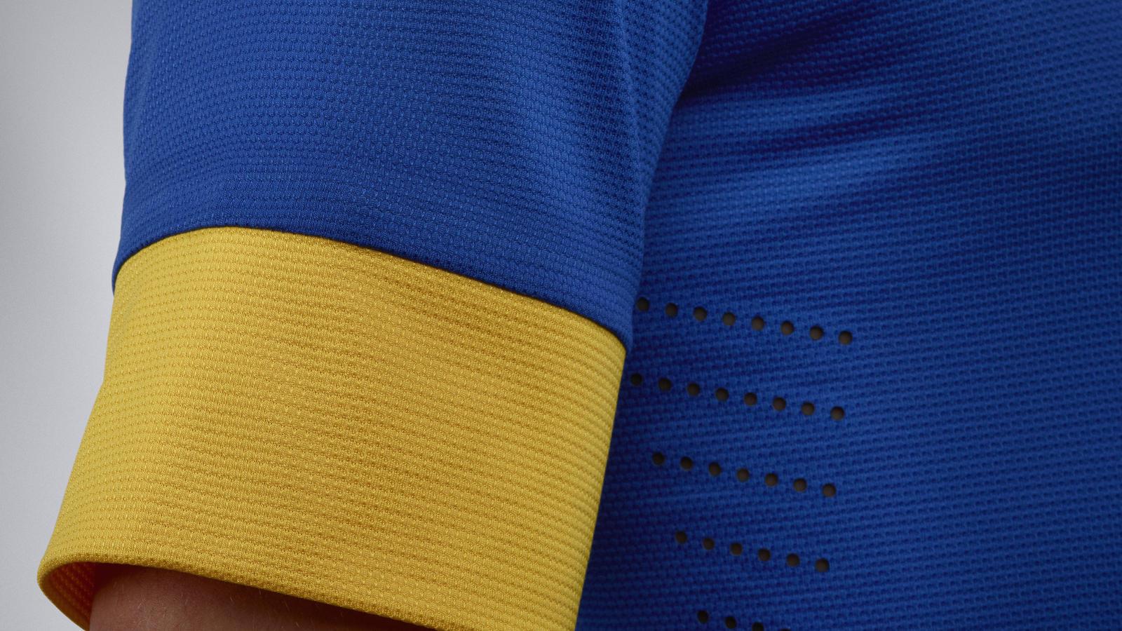 EC12_Brasil_Uniform_away_06