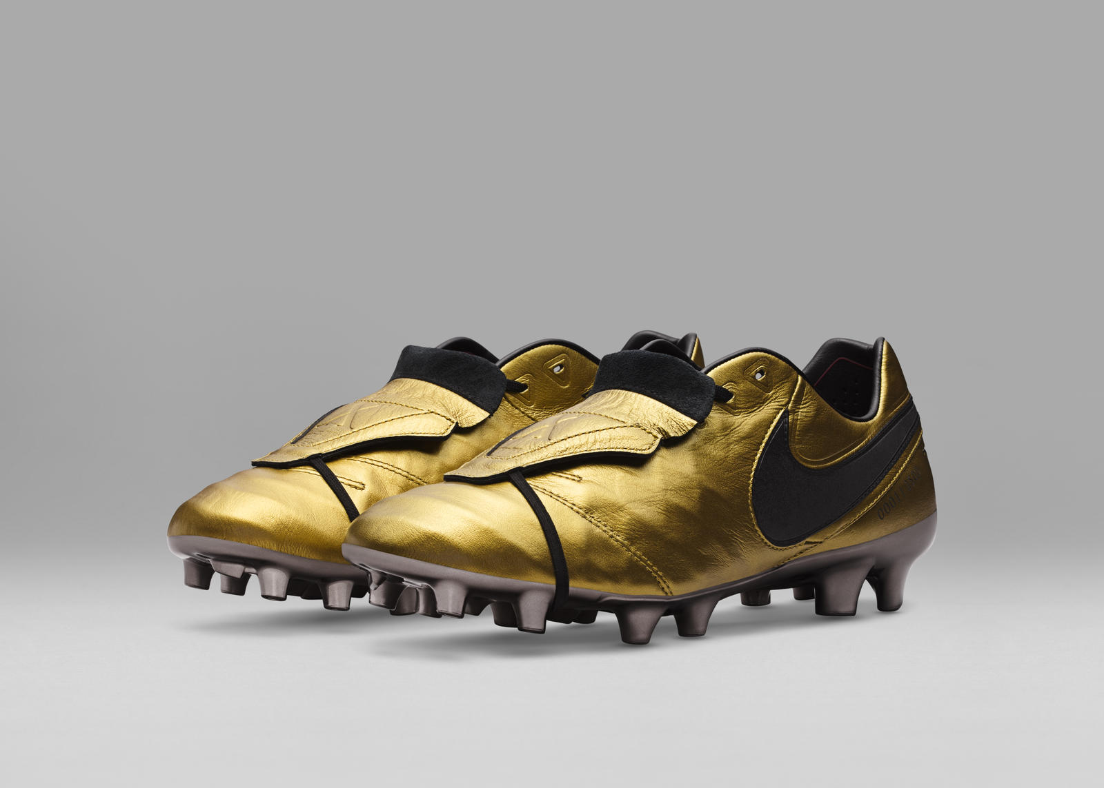outlet store 26768 0153a Limited Edition Tiempo Totti x Roma Boots Celebrate Totti's ...