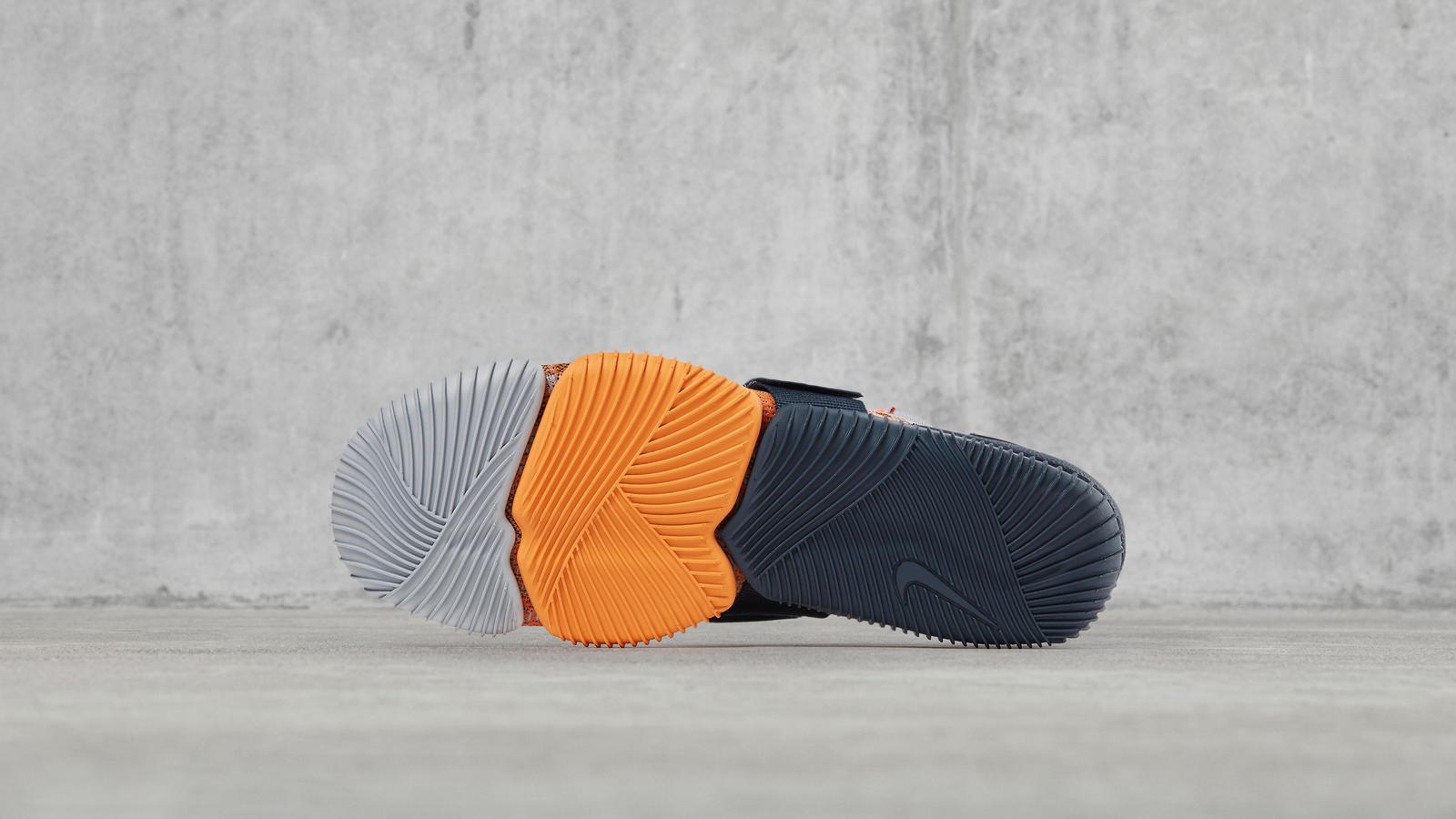 NikeLab Aqua Sock 360 1
