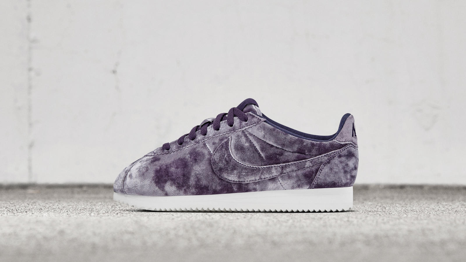 new style a9502 3d645 Nike Cortez Classic LX 0