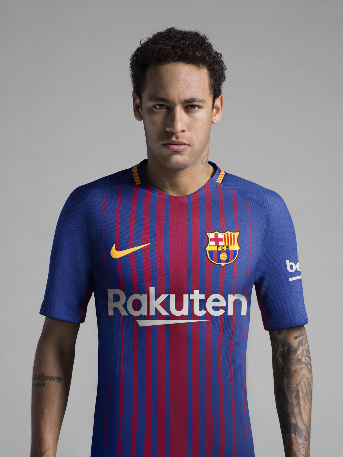 sale retailer 7d5d5 3aeaf FC Barcelona Home Kit 2017-18 - Nike News