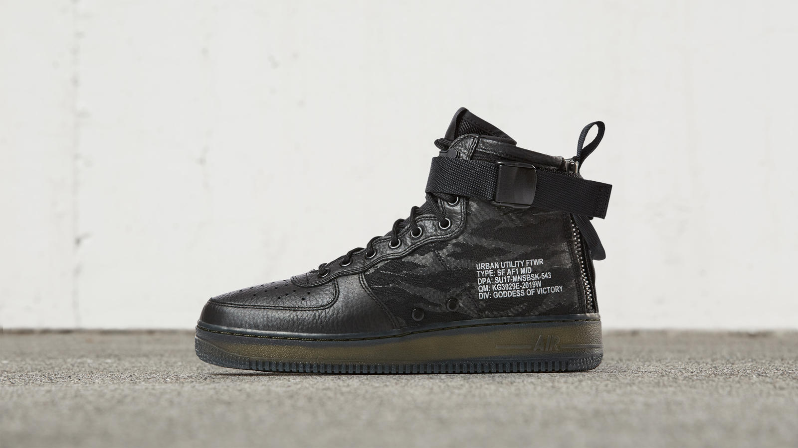 Nike Special Field Air Force 1 Mid 1
