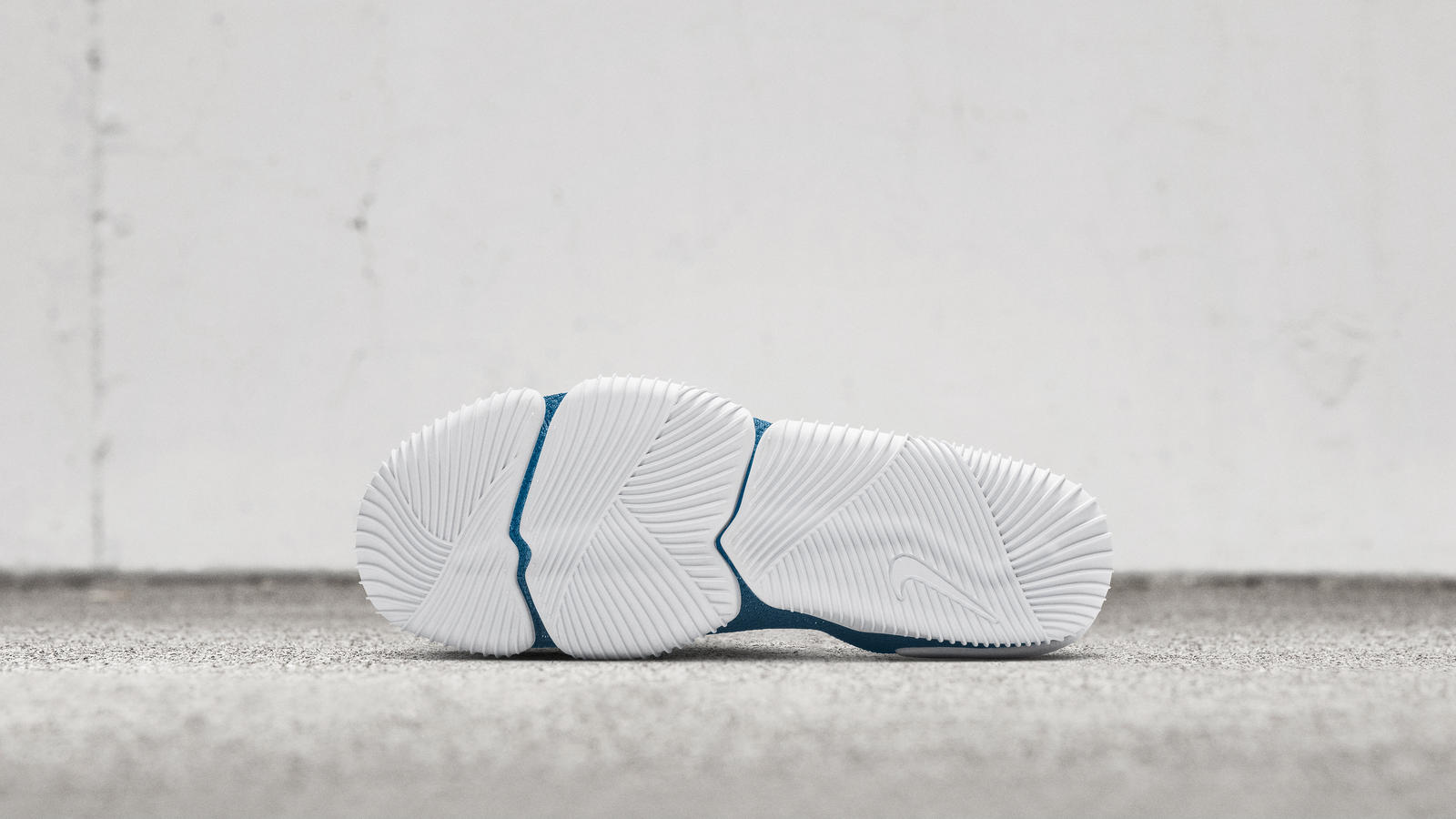 Nike Aqua Sock 360 1