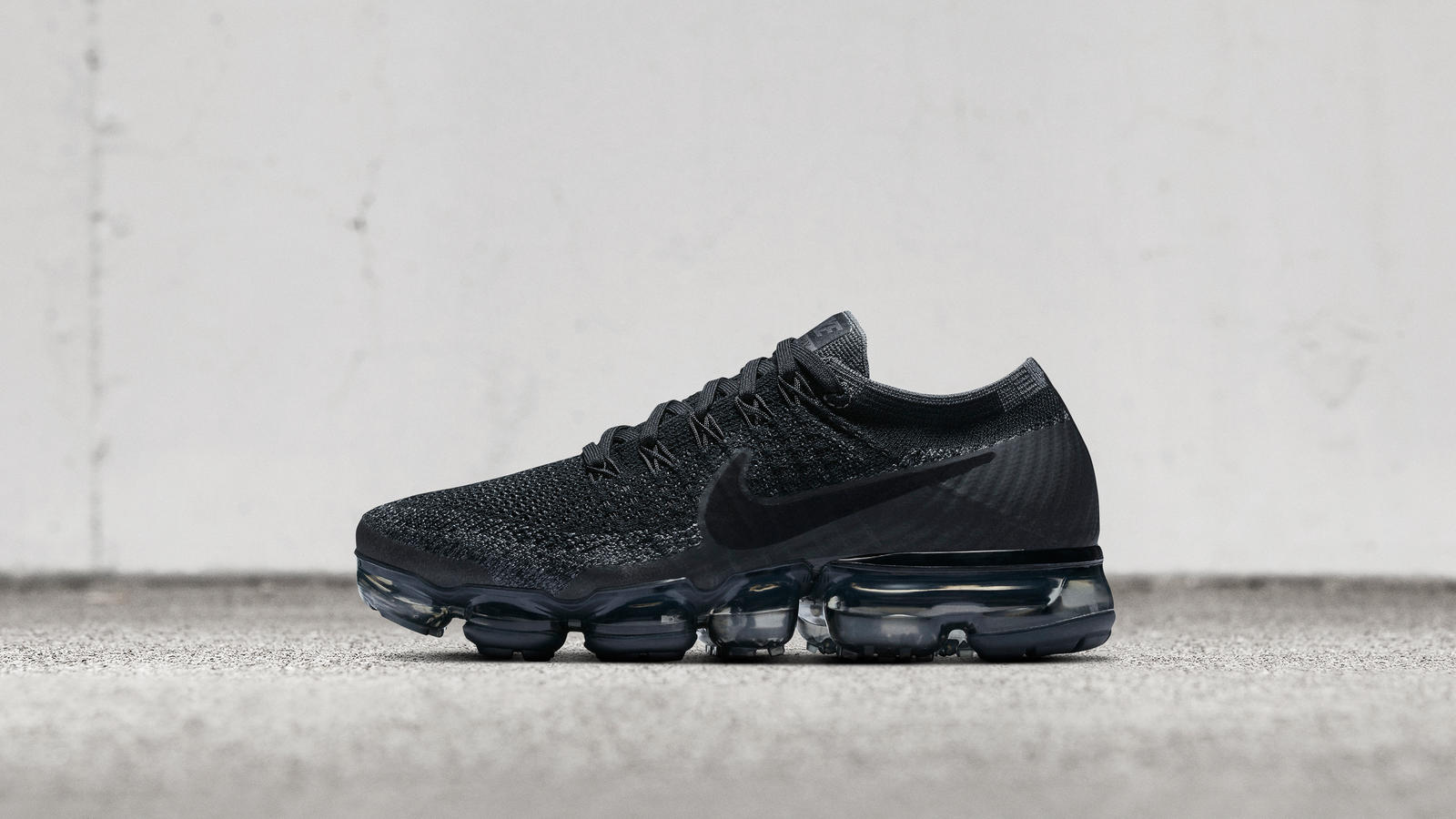black nike air vapormax