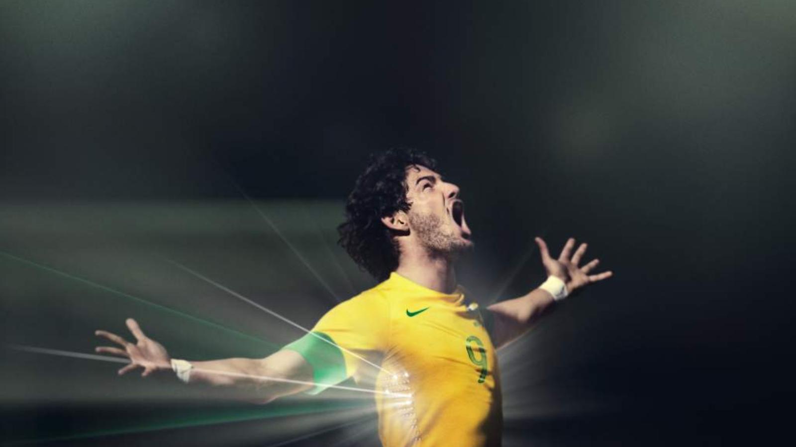 Brasil_2012_Home_Kit_Pato_1