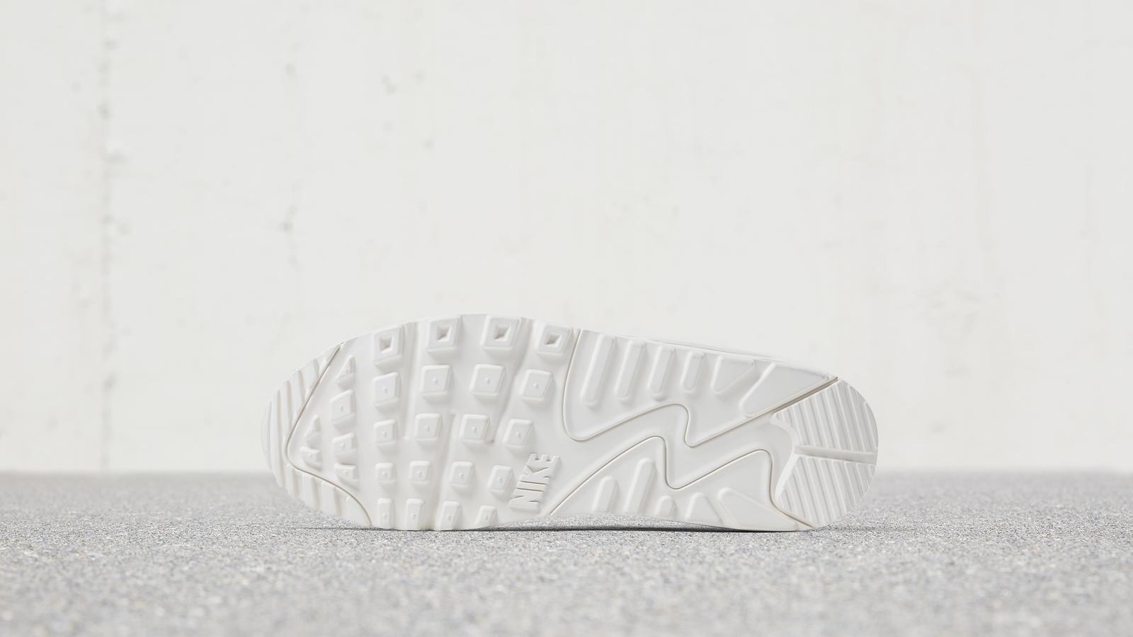 170620 footwear am90 multi 0150 hd 1600