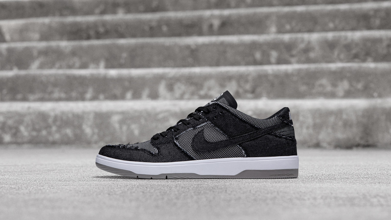"best sneakers af871 ba295 Nike SB Dunk Low Elite ""BE@RBRICK"