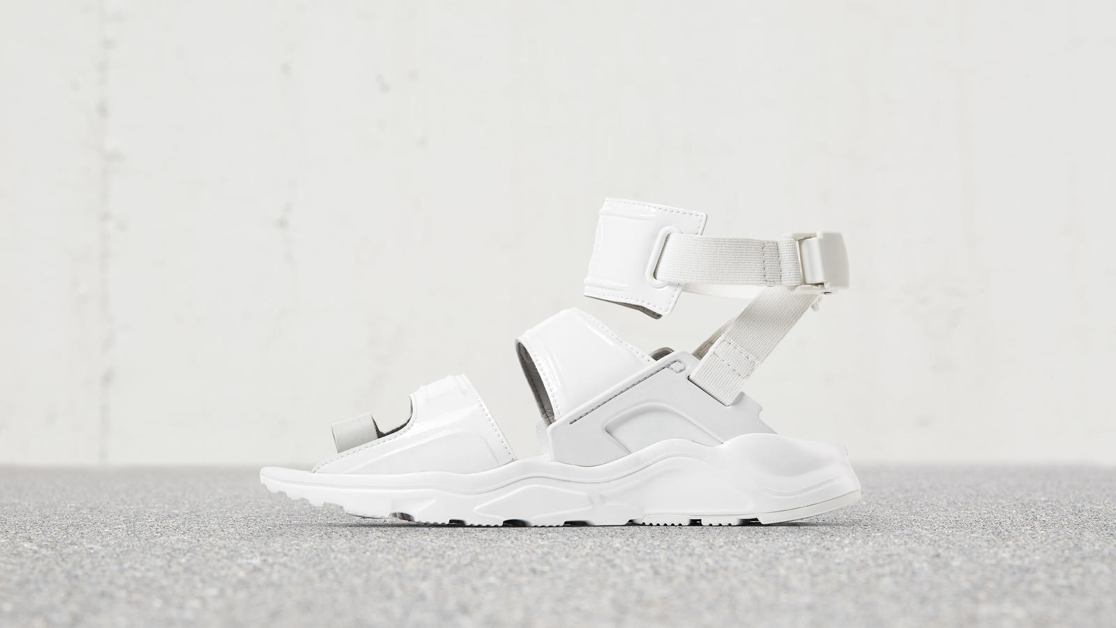2391bd38a97 Nike Air Huarache Gladiator - Nike News