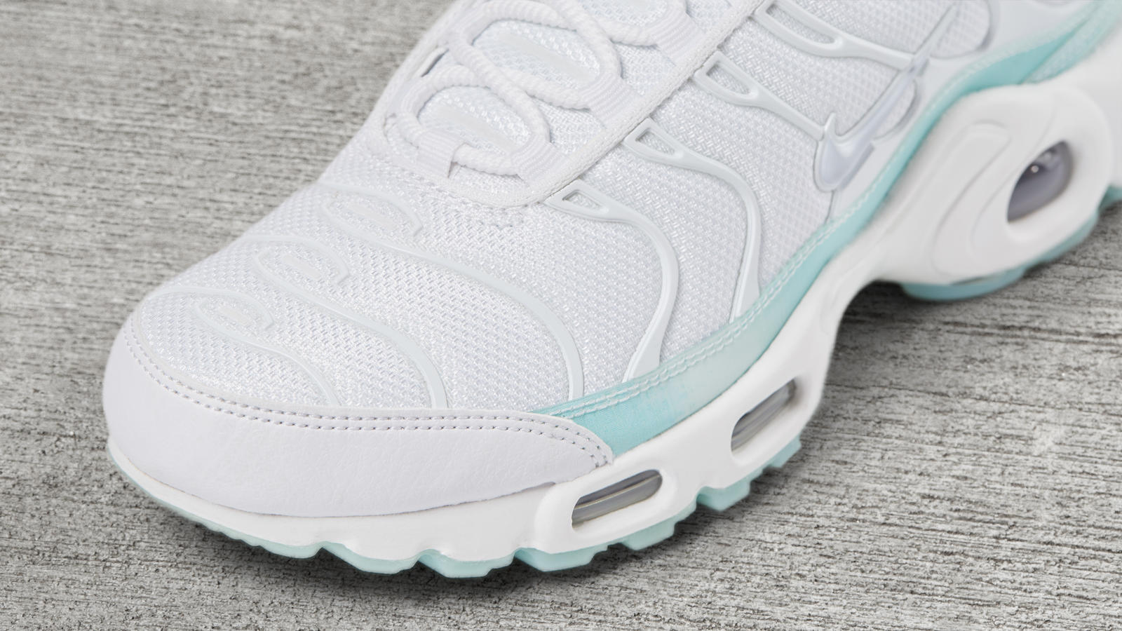 Air max plus holographic white 3 hd 1600
