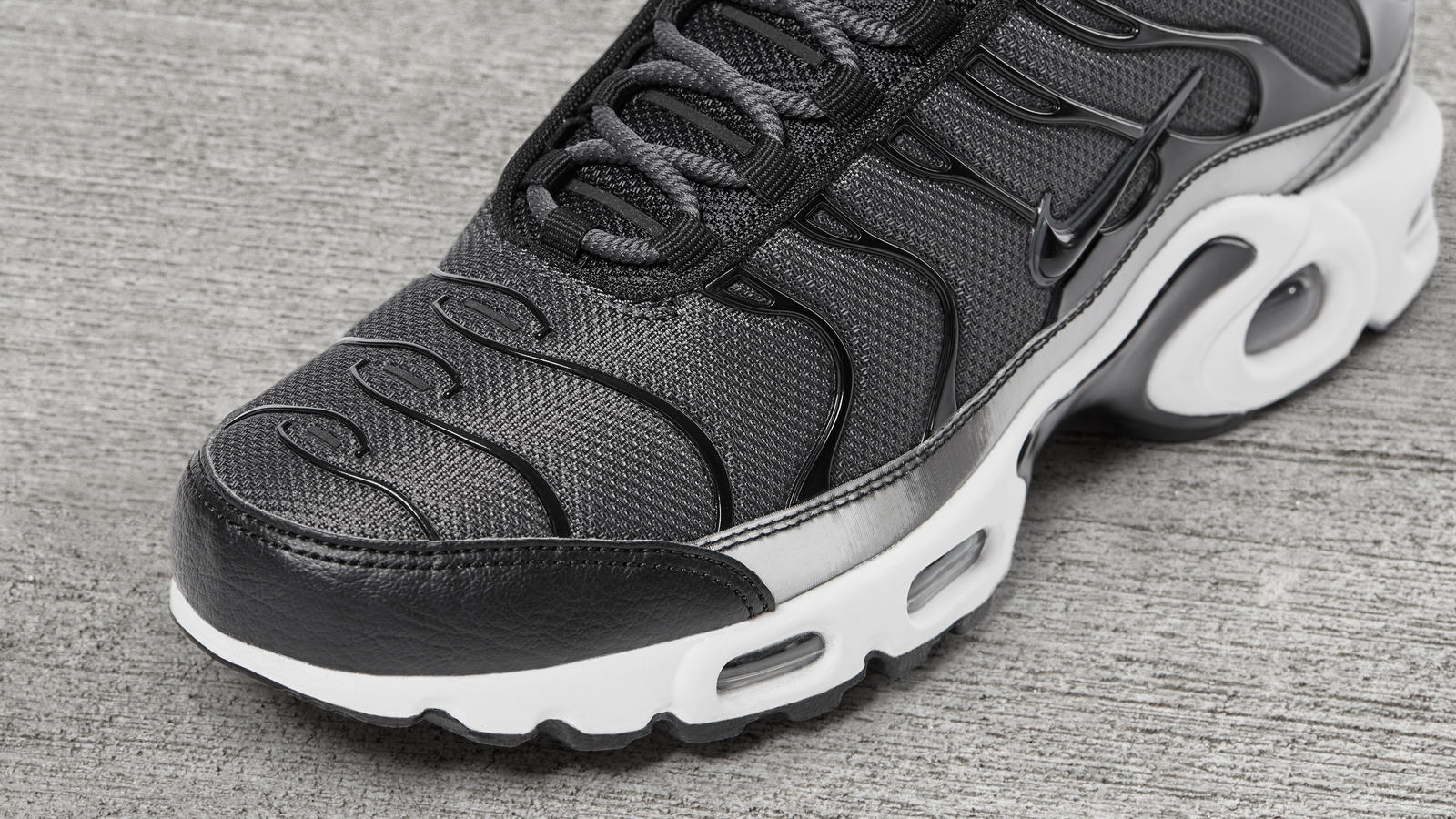 Air max plus holographic black 3 hd 1600