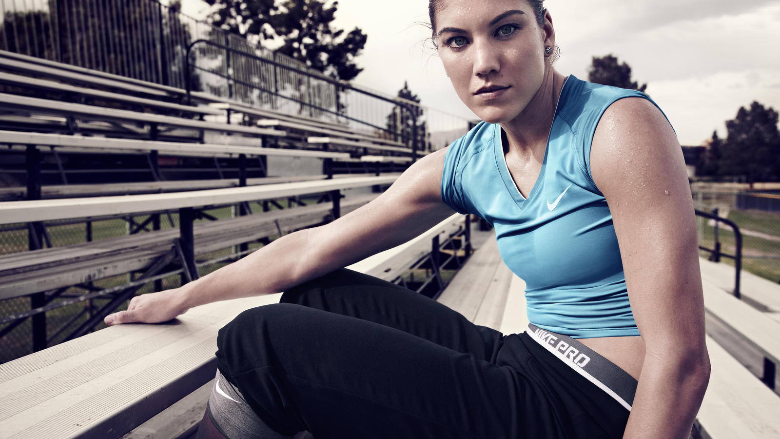 Sp12_WT_HopeSolo_NikePro_02